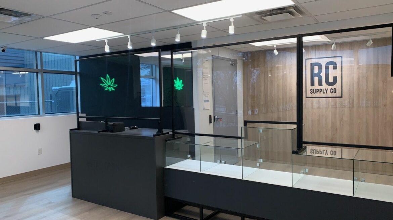 "Medz Cannabis and Thrive Cannabis receive first cannabis ""farmgate"" licences in Ontario"
